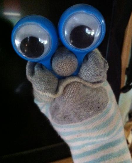 Googly Eye Ring Puppet