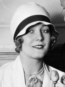 Vilma Banky in Cloche